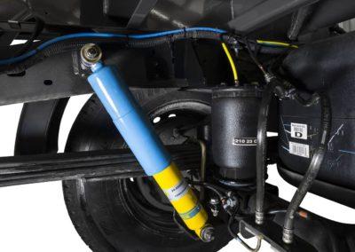 Goldschmitt systém vzduchového odpruženia, dvojkruhové s plynovými tlmičmi Bilstein (iba 4WD)